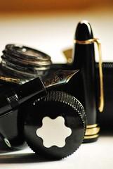 Meisterstck, oft benutzt #PPEP (FrauN.ausD.) Tags: montblanc fller pen macro moday ppep schwarz black altmodisch oldfashioned