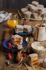 IMG_9276_exp (Helena / Rico sin Azcar) Tags: lamington vanilla vainilla mermelada chocolate jam coconut coco australia bizcocho