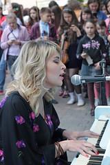 Street Performer-3 (Pavlo Kuzyk) Tags: girl woman pretty dress piano singing music canon ivanofrankivsk ukraine