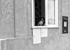 1-DSC02709 (Paulo J Moreira) Tags: paulomoreira portugal porto pretoebranco pb blackandwhite bw blackwhite streetphotography sonyrx100 fotografiaderua