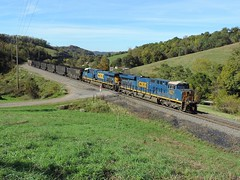 CSX 3070 and 792 (Trains & Trails) Tags: time coal pennsylvania greenecounty scenic scenery csx train railroad engine locomotive diesel transportation n73 yn3b darkfuture ge widecab generalelectric 3070 es44ach manorbranch