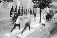 Watching the street excercise (Stuart Grout) Tags: bwfp leica m2 ilford hp5 manchester film street