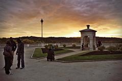 Coucher de soleil  Pau, France (Jacques Borruel) Tags: coucherdesoleil sunset fontaine nuage soir clouds