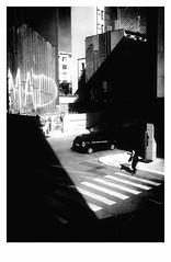 MAD (bruXella & bruXellius) Tags: europaviertel europeanquarter quartiereuropen brssel bruxelles brussels brussel belgien belgique belgium belgi leicax1 blackwhite grain grainy monochrome mad