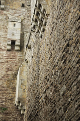 DSC_6393 [ps] - Alfresco Ensuite (Anyhoo) Tags: anyhoo photobyanyhoo dounecastle castle doune scotland uk stone stonework fortress wall fortification aperture opening window corbels corbel