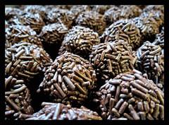 chokladbollar (karin_b1966) Tags: schokoladenkugeln chokladbollar chocolateballs konfekt confect selbstgemacht selfmade weihnachtszeit christmastime 2016 schwedenkonfekt schwedenkugeln yourbestoftoday