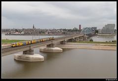 NSR 7343 + 1730 - 7669 (Spoorpunt.nl) Tags: 2 september 2016 ddar 7343 1730 trein sprinter 7669 nijmegen elst waal boog spoor brug skyline