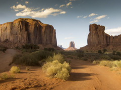 a country to cross (Jo-H) Tags: monumentvalley utah navajo americansouthwest