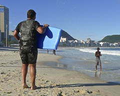 Friends have fun on the beach (alobos Life) Tags: friends boy brazil amigos cute beach boys water beautiful sport rio brasil de fun outdoors nice funny janeiro candid playa guys have garotos enjoying bodyboard divertido