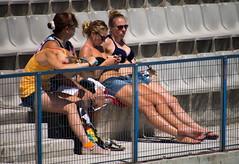 Hace calor en las gradas. (Luis Prez Contreras) Tags: world barcelona canada water del championship women hellas greece grecia fina polo mundo canad waterpolo femenino campeonatos piscines picornell 2013 bcn2013