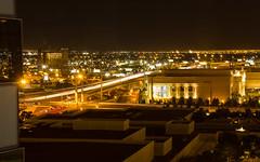 Las Vegas Freeway (maxunterwegs) Tags: longexposure usa night noche us cityscape unitedstates motorway lasvegas nacht nevada autobahn eua noite expressway nuit estadosunidos i15 interstate15 étatsunis lasvegasfreeway