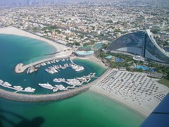 Dubai - Jumeirah Beach Hotel (ohaoha) Tags: strand marina meer wasser arabisch jumeirahbeachhotel arabianx dubaix panoramafotográfico arabx uaex unitedx asiax vaex arabiax emiratesx asienx arabienx vereinigtex arabischex emiratex