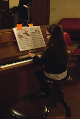 """""""Notes of Christmas"""" students' sage (The girl with the dress) Tags: christmas music evening piano sage musicalinstitutellessona studentssage"""