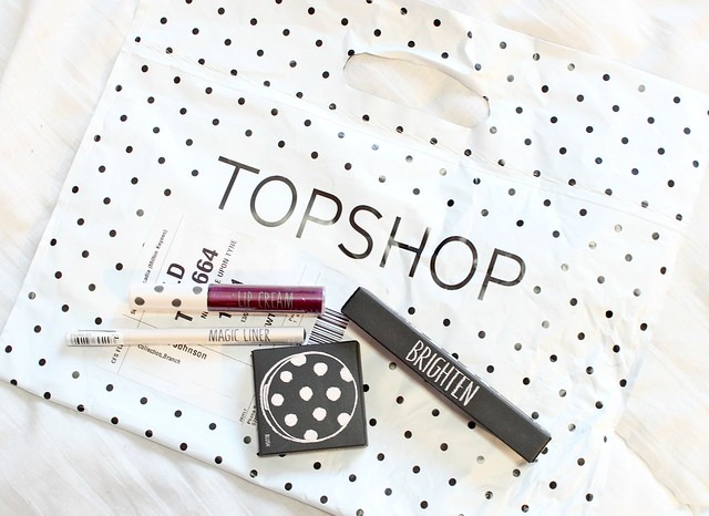 Topshop Beauty Haul, Topshop Makeup Review, Tosphop Lip Cream, Topshop Cream Blush, Topshop Magic Liner, Topshop Brighten Concealer