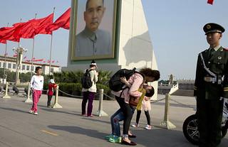 中国人:再多一些拥抱