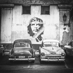 Che & Chevs (yeahwotever) Tags: p029794 p176294 chevrolet 50s parking havana habana cuba waterfront port che ernesto guevara argentine marxist revolutionary physician author guerrilla diplomat military el