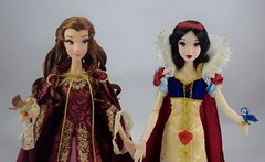 LE Snow White 17'' Doll Welcomes LE Winter Belle 17'' Doll - Handing Hands - Midrange Front View (drj1828) Tags: us disneystore belle beautyandthebeast 2016 2009 limitededition 17inch doll collectible animated posable red pink gown winter snowwhite snowwhiteandthesevendwarfs greet welcome sidebyside standing