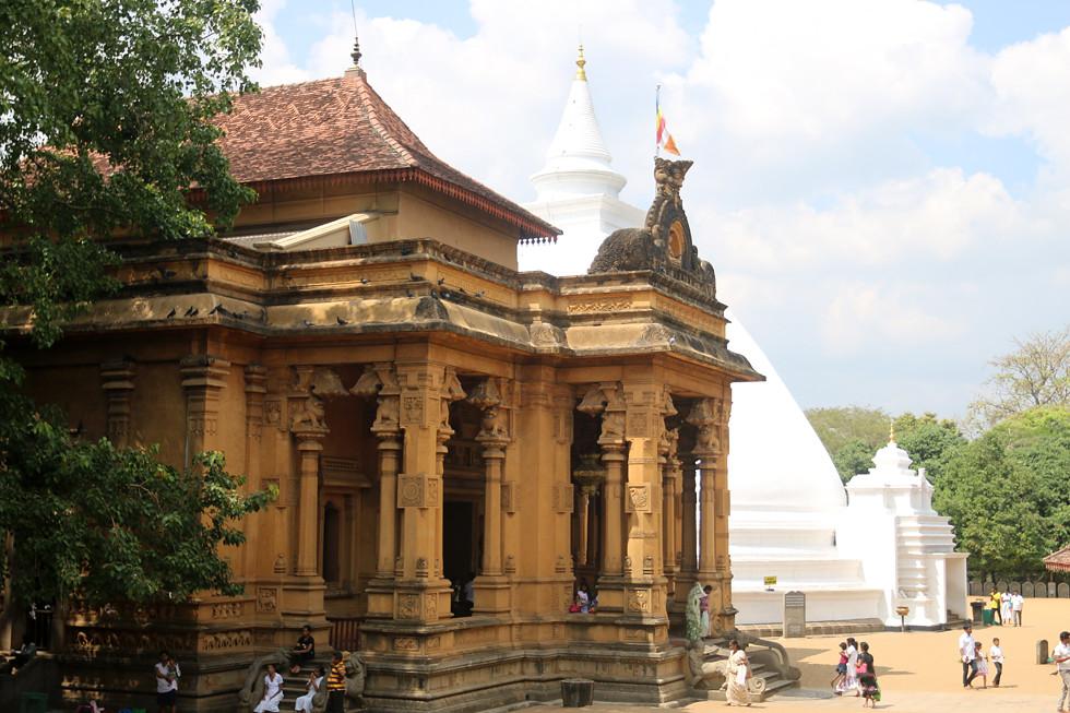 sri lanka buddhist temple - 980×653
