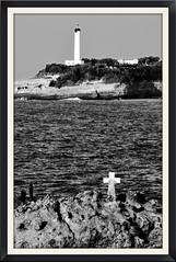La Suprise (Jean-Luc Lopoldi) Tags: bw noiretblanc mer atlantique phare rochers croix naufrage wreckage sailors marins morts paysbasque biarritz