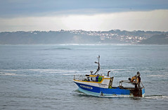 """Le Miquelon"" (YellowSingle ) Tags: fishing boat atlantic ocean socoa nikon d3 pays basque"