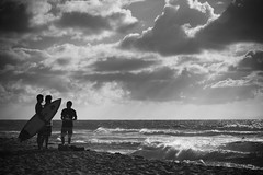 Young men at Sandy Beach (SKim2300) Tags: sandybeach hawaii