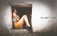 ** (G.Mallofret) Tags: desaturacion doshermanas sevilla canon6d girl chica pose enmarca piernas gmallofret mallofret tattoo tatuaje