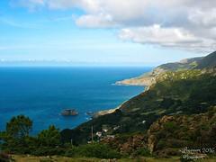 (Linayum) Tags: paisaje montaas sea mar oceano agua water green verde nature naturaleza galicia spain espaa linayum nubes clouds sky cielo