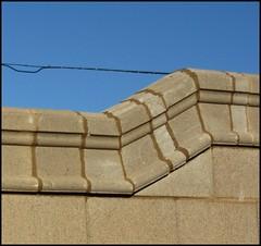 ODCjuxtaposit (FolsomNatural) Tags: odc dailychallenge juxtapose bricks wall transition