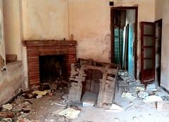 Chimeneas (Cristina Sanjos) Tags: chimenea chimeneas abandoned abandonado abandonados urbex urbanex casa casas