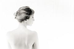 IMG_7366 (photo.bymau) Tags: bymau canon 7d studio portrait retrato girl beauty woman women nice cute model flash light shooting beautifull faces art éclairage lightning bw black white blanc noir negro schwarz dark contrast