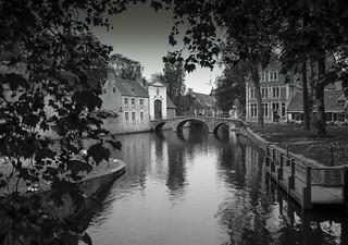 Bruges Canal & footbridge.