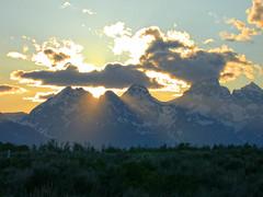 Teton Range sunset (spotwolf5) Tags: sunset tetonrange grandtetonnationalpark greateryellowstoneecosystem