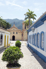 _TEF8597 (Edson Grandisoli. Natureza e mais...) Tags: regiosudeste litoral cidade sosebastio rua parquia igreja religio catlica