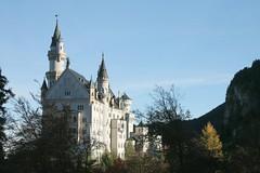 Neuschwanstein and Hohenschwangau - bavarian fairy-tale castles (Christopher DunstanBurgh) Tags: neuschwanstein hohenschwangau schwangau fssen fuessen allgu allgaeu alpen alps bayern bavaria ludwigii schloss castle chateau