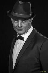 Mister Phee OSS-116 - 2016 (Eric R Porcher) Tags: 201611 studio portrait homme mûr classe chapeau ride noeud papillon vintage sixties past maquillage livinginthepast fromthepast