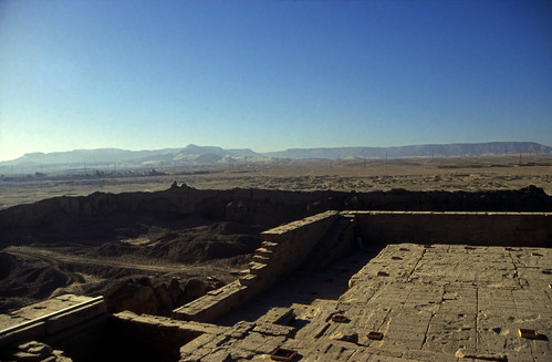 "Ägypten 1999 (532) Tempel von Dendera • <a style=""font-size:0.8em;"" href=""http://www.flickr.com/photos/69570948@N04/31309618642/"" target=""_blank"">View on Flickr</a>"
