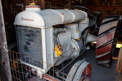 Fordson (trochford) Tags: fordson tractor oldtractor 1920s old vintage classic antique oldtimer shed eccardtfarm washingtonnh nh newhampshire newengland usa canon