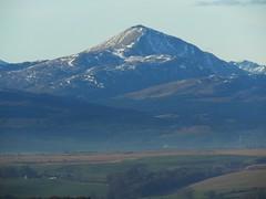 the call of distant mountains 01 (byronv2) Tags: mountain mountains hills geology scotland benlomond snow landscape sunlight sunshine sunny winter countryside rural beinnlaomainn munro trossachs nationalpark lochlomondandtrossachsnationalpark campsiehills