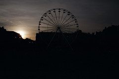 La grande roue (sebastienloppin) Tags: grande roue canon 50 canoneos50 24105f4l argentique analog analogic analogique pellicule 200iso fujifilm superia dxf reims fuifilm sunset contrejour back day night nuit cloud nuages cloudy