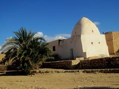 IMG_2367 (SyrianSindibad) Tags: tunisia tunisie tamaghza  shrine dome sufi
