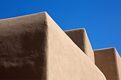 Adobe (Alan Amati) Tags: amati alanamati america american usa us southwest sw nm newmexico santafe georgiaokeefe museum artistic graphic bluesky adobe building three pattern