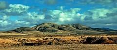 las piedras del cielo#2 (Claudia Gaiotto) Tags: sky clouds desert fuerteventura silence cielo nubes canary volcanos mialma islacanaria