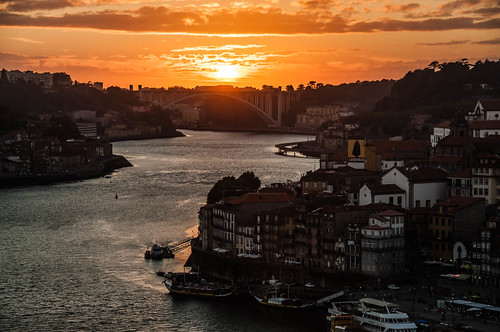 "Sunset on Douro • <a style=""font-size:0.8em;"" href=""http://www.flickr.com/photos/22550935@N03/10513701006/"" target=""_blank"">View on Flickr</a>"