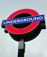 Underground (sake028) Tags: uk england london nikon unitedkingdom tube wideangle ww mindthegap weitwinkel nikond5100