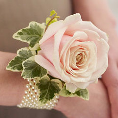 "Classic Corsage <a style=""margin-left:10px; font-size:0.8em;"" href=""http://www.flickr.com/photos/111130169@N03/11308935016/"" target=""_blank"">@flickr</a>"