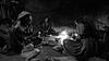 Gujarat - Repas et logement dans une ferme. (Gilles Daligand) Tags: gujarat inde kutch nuitdansuneferme ferme campagne preparationdurepas foyer feudebois noiretblanc bw monochrome femmes farm fuji s5pro