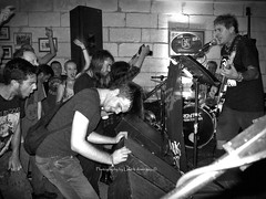 MI bocci03 0ct16 (Luke b Domingo) Tags: punks punkfemale punkgig manoelislandbocciklabb funkymonkey alternativemalta punksinmalta erichpunk lukebdomingo