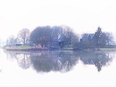 Stillness (Jenne Barneveld) Tags: stilness quietly quiet calm reflections reflection waterreflections water serene