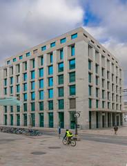 Credit Suisse-3522 (carolinanegel@gmail.com) Tags: bank banques genève architecturalphotography architecture city cityscape geneva glass urban urbex