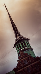 The Tower (samless) Tags: bright tower copenhaguen denmark dinamarca brillo december magia animales fantasticos